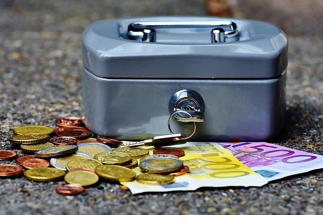 Kredyty gotówkowe czy szybkie pożyczki?